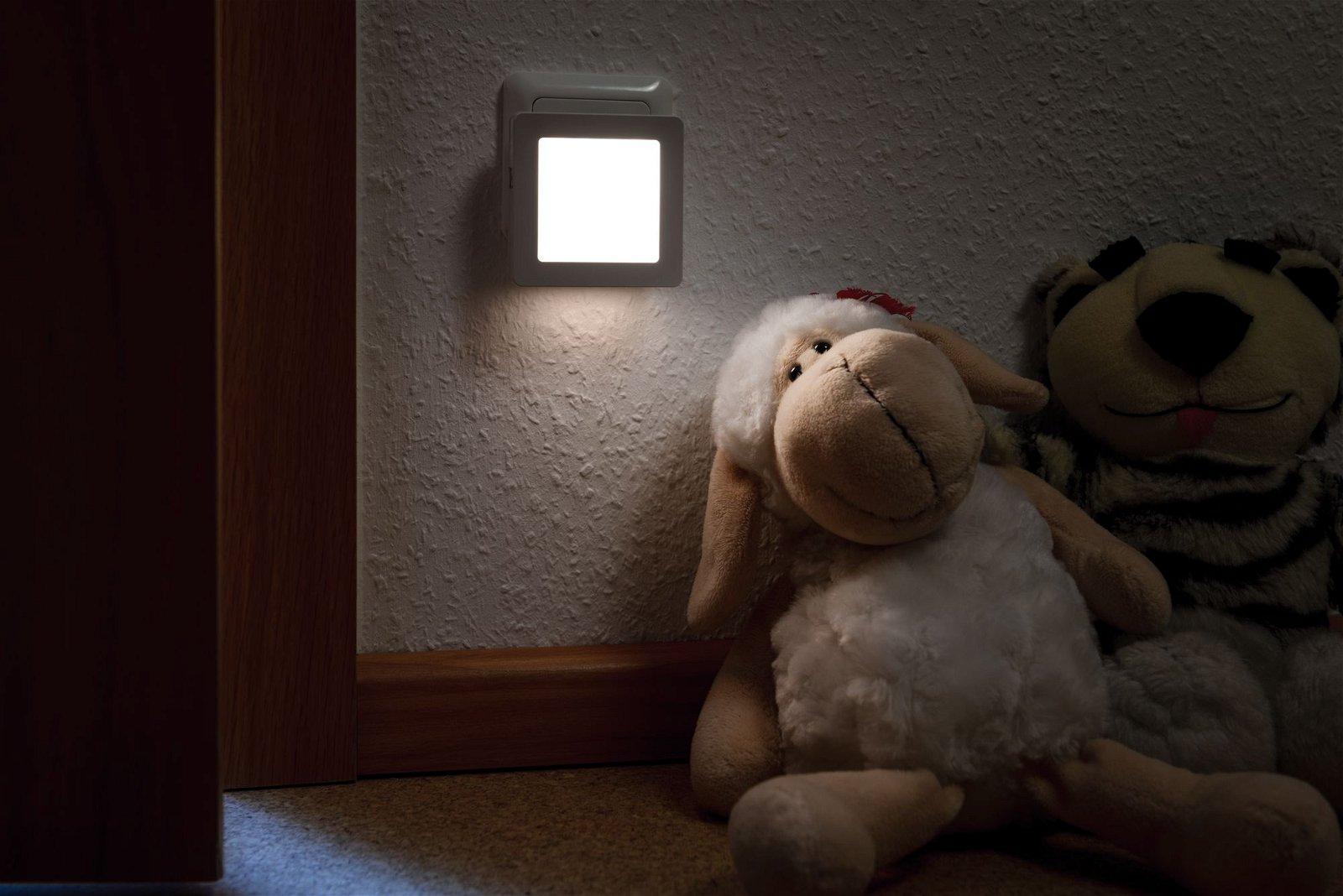 Nachtlicht Esby mit Dämmerungssensor eckig 3000K 3lm