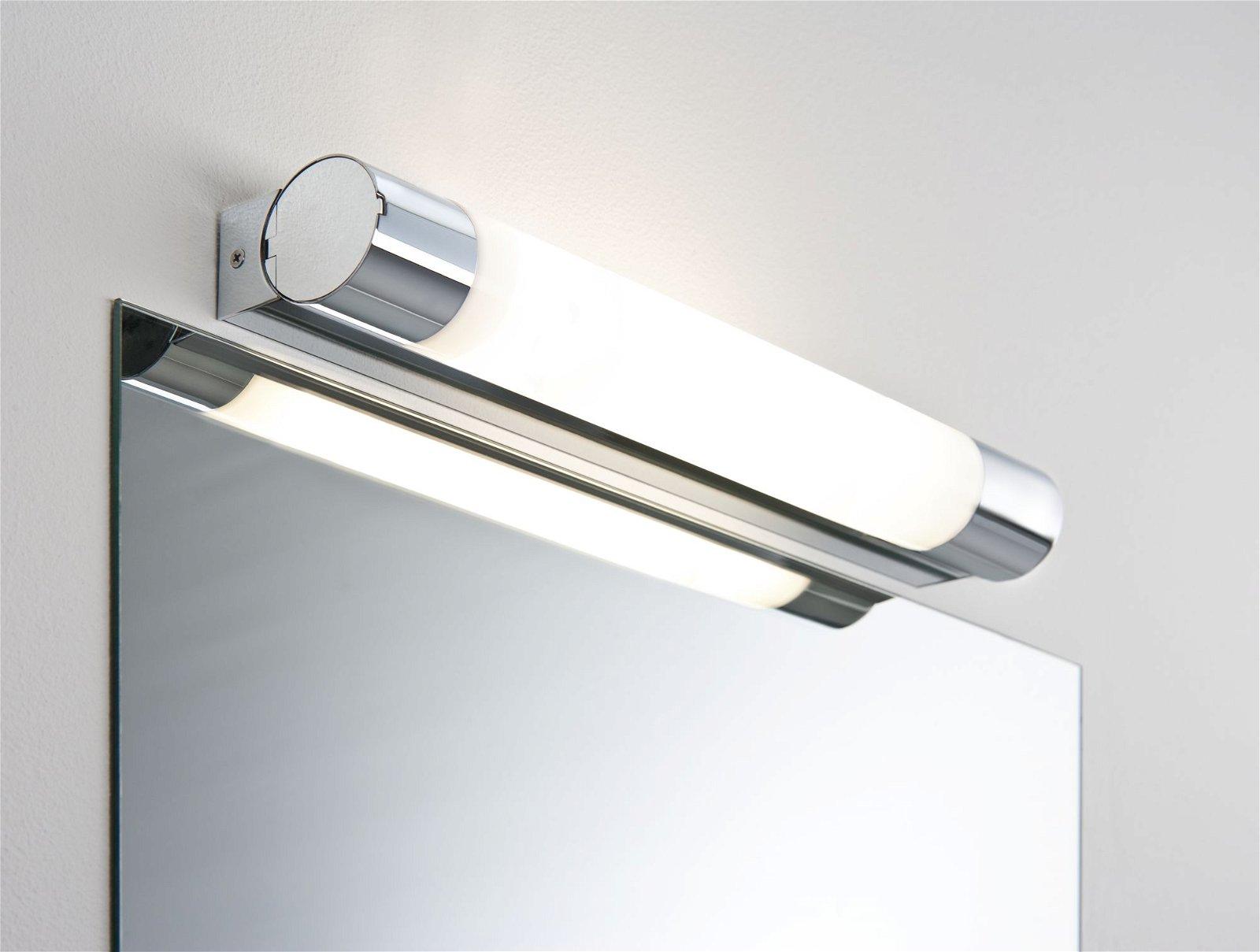 LED Spiegelleuchte Orgon Steckdose IP44 3000K 1400lm 230V 10,5W Chrom/Weiß