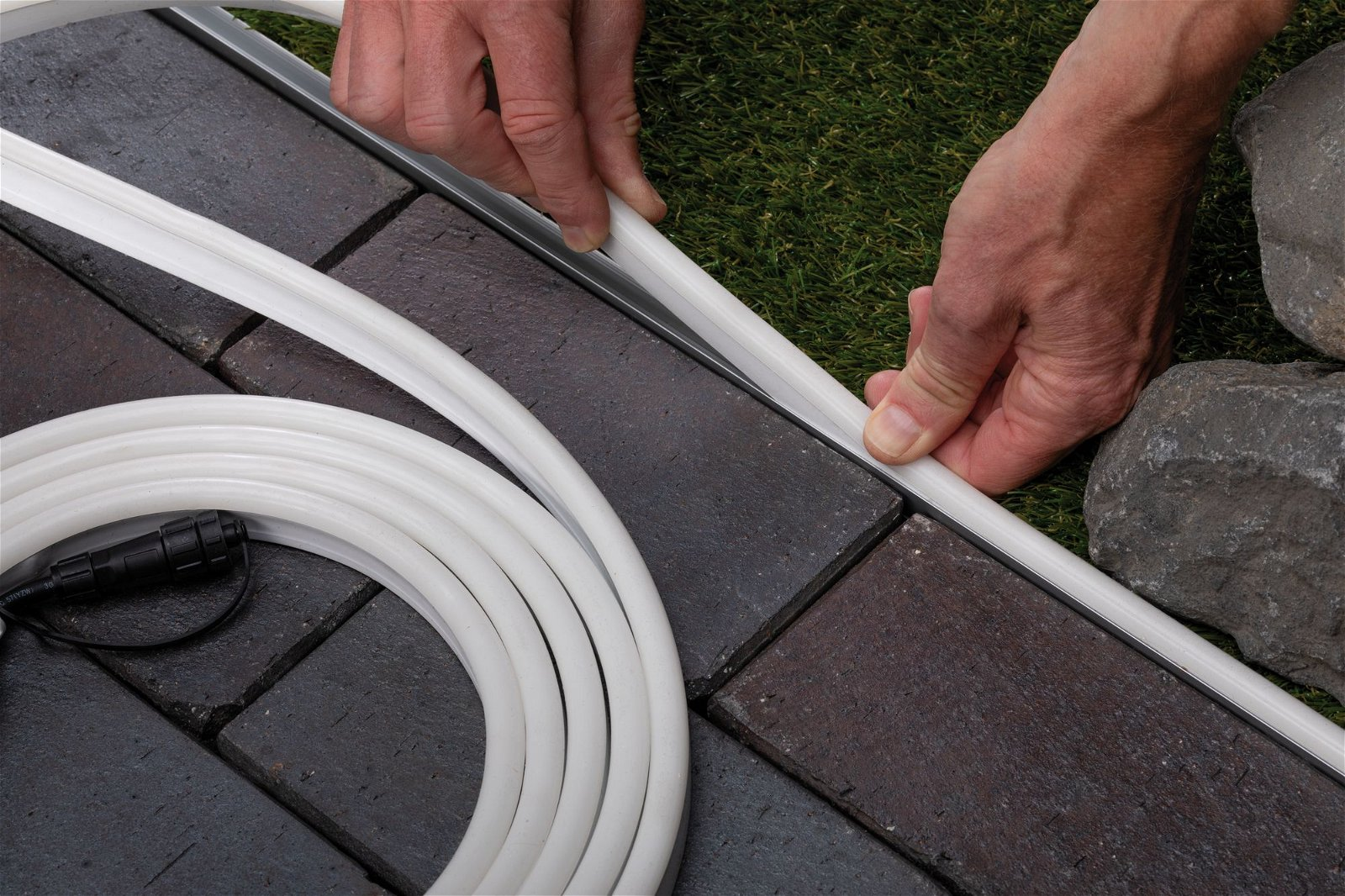 Plug & Shine Profilé de strip LED Blanc chaud Profilé en aluminium 1m